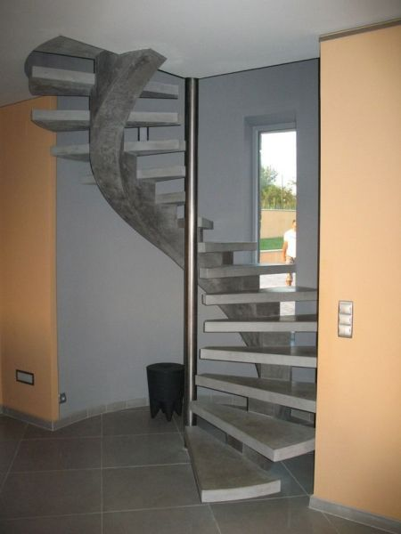 escalier gris rnovation escalier et ides de dcoration en photos splendides with escalier gris. Black Bedroom Furniture Sets. Home Design Ideas