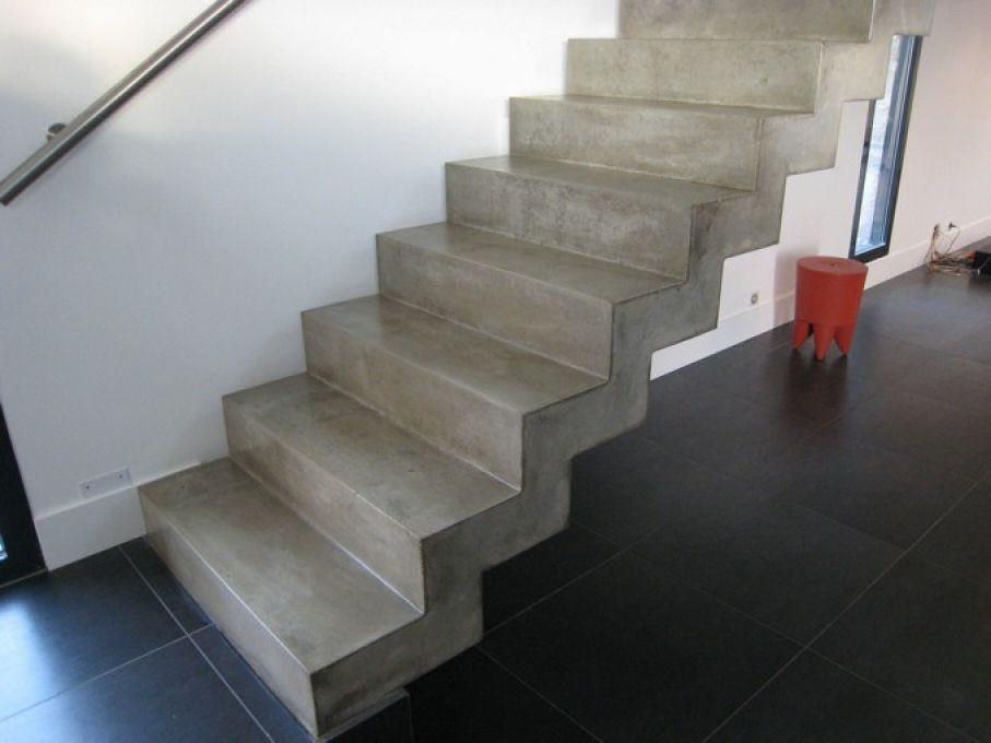 Escalier monobloc guillot pr fa pr fabrication de produits b ton - Fabriquer un escalier en beton ...